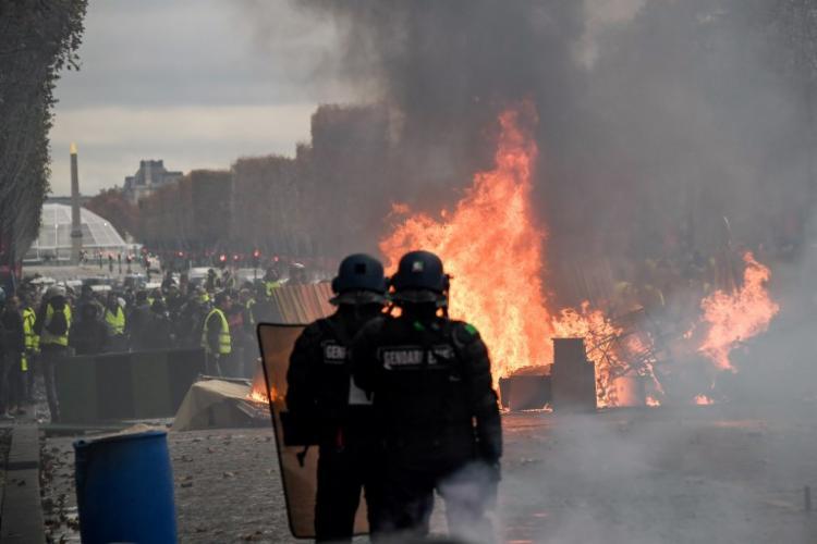 Protesto toma conta das ruas de Paris neste sábado - Foto: Bertrand Guay   AFP