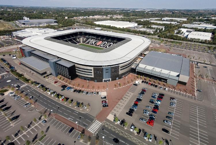 A Arena MK, apesar de sediar um time da quarta divisão, tem estrutura considerada boa - Foto: Divulgação