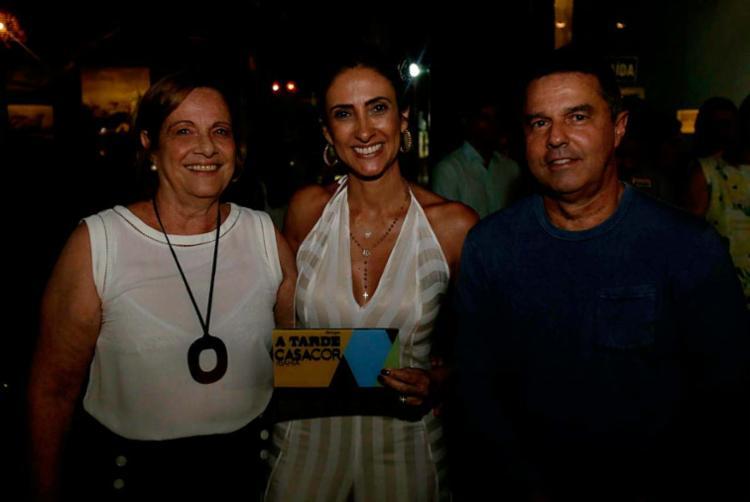 O diretor comercial do Grupo A TARDE, Hélio Tourinho, entregou o prêmio Originalidade