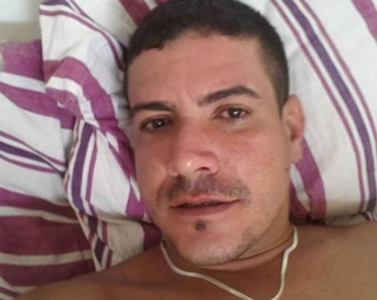 Cícero, possuía passagem pela polícia por tráfico de drogas, teve o rosto totalmente desfigurado ao ser alvejado mais de 30 vezes - Foto: Reprodução   site Verdinho Itabuna