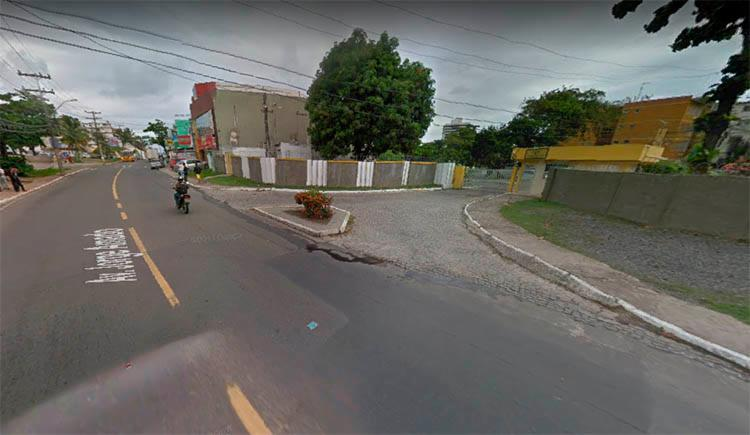 O crime ocorreu no Condomínio Parque Pituaçu, na avenida Jorge Amado - Foto: Reprodução   Google Maps