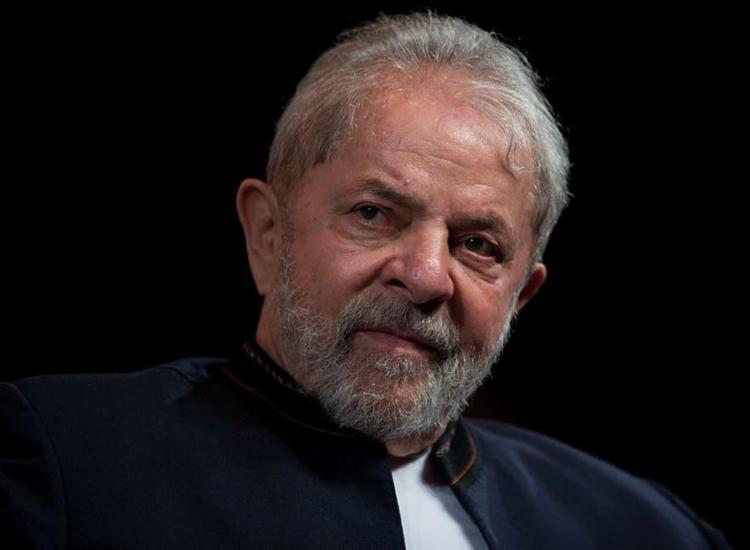 Ex-presidente enviou carta para militantes que participavam da Vigília Lula Livre - Foto: Mauro Pimentel | AFP