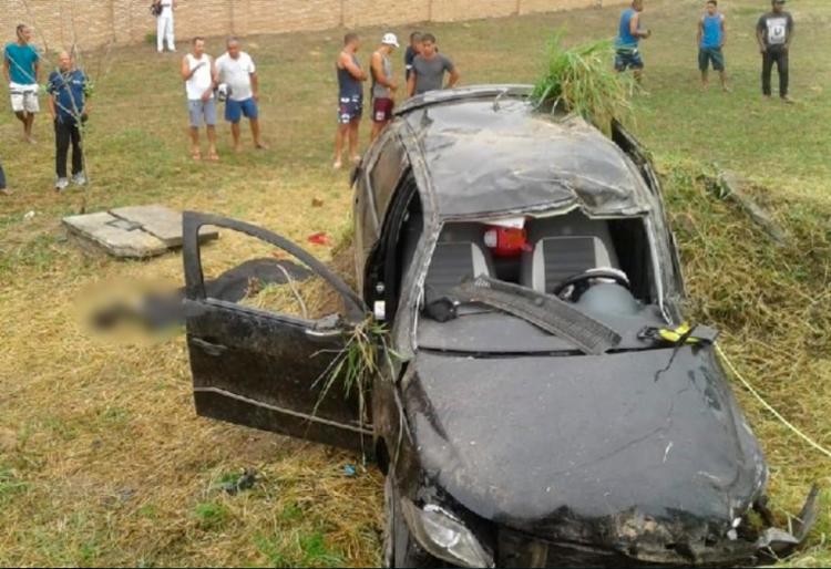 A suspeita é que Emily não usava o cinto no momento do acidente; ela morreu na hora - Foto: Reprodução | Radar 64