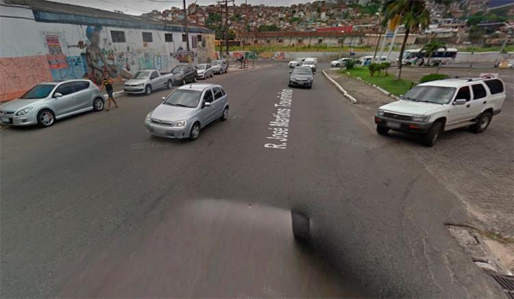 A colisão ocorreu na altura da rua José Martins Tourinho, no bairro Mares, em Salvador - Foto: Reprodução   Google Maps