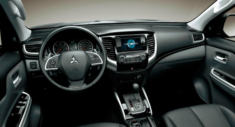 Central multimídia tem sistemas Android Auto, Apple Car Play e wi-fi