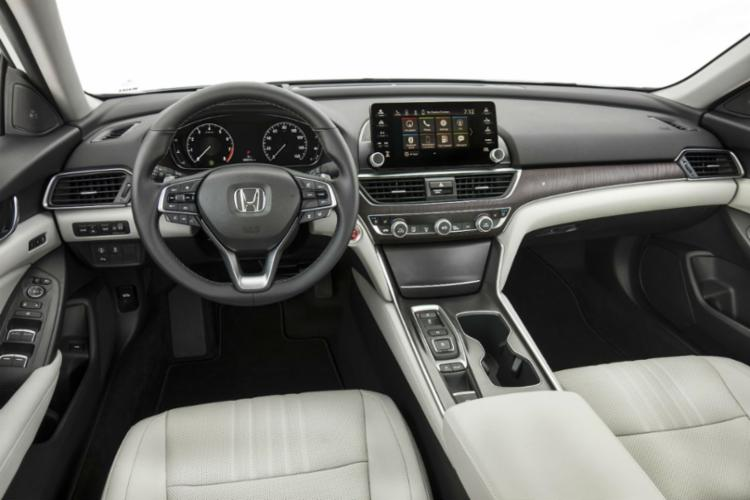 O novo pacote Sensing conta com itens de tecnologia que auxiliam em uma condução mais segura