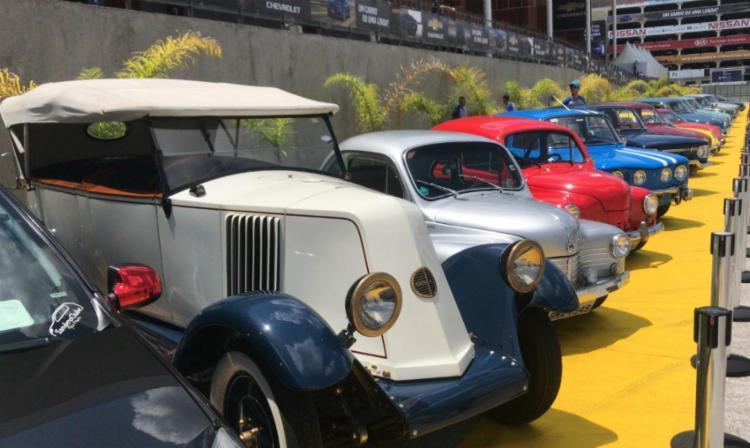Os carros antigos ganharam destaque no Salão do Automóvel - Foto: Marco Antônio Jr. | Ag. A TARDE
