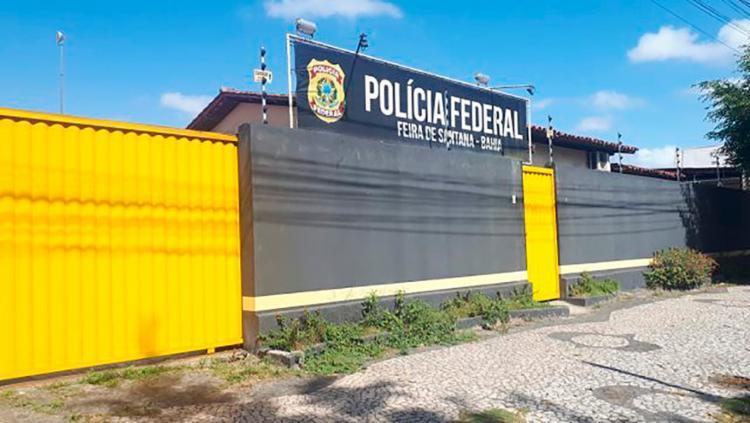 Polícia Federal cumpriu mandados de prisão e busca e apreensão na cidade baiana - Foto: Ed Santos | Acorda Cidade