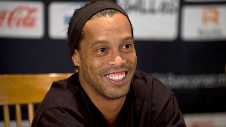 TJ-RS determinou a apreensão dos passaportes de Ronaldinho Gaúcho e do irmão dele - Foto: Ronaldo Schemidt l AFP