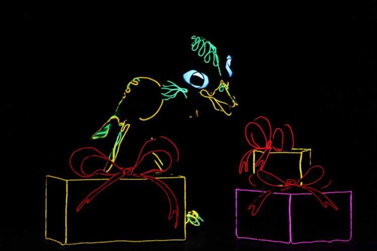 Através da dança com marionetes, são utilizados recursos de alta tecnologia - Foto: Dallas News