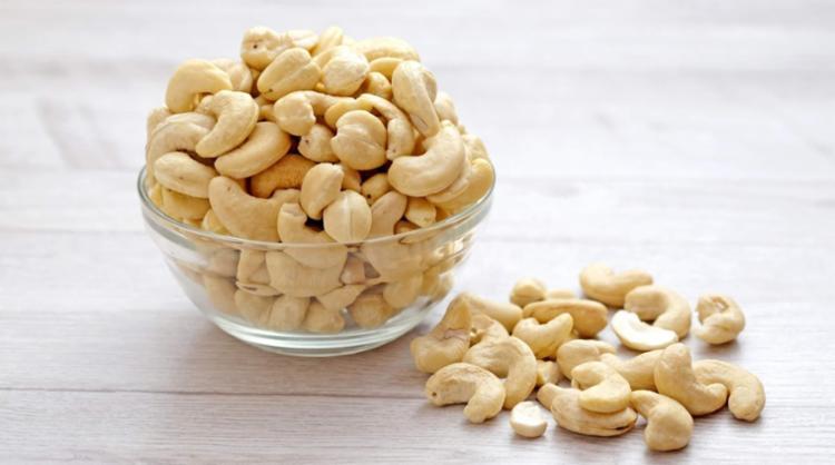 O consumo diário de castanhas ajuda a controlar o peso e diminui o risco de doenças cardiovasculares - Foto: Divulgação