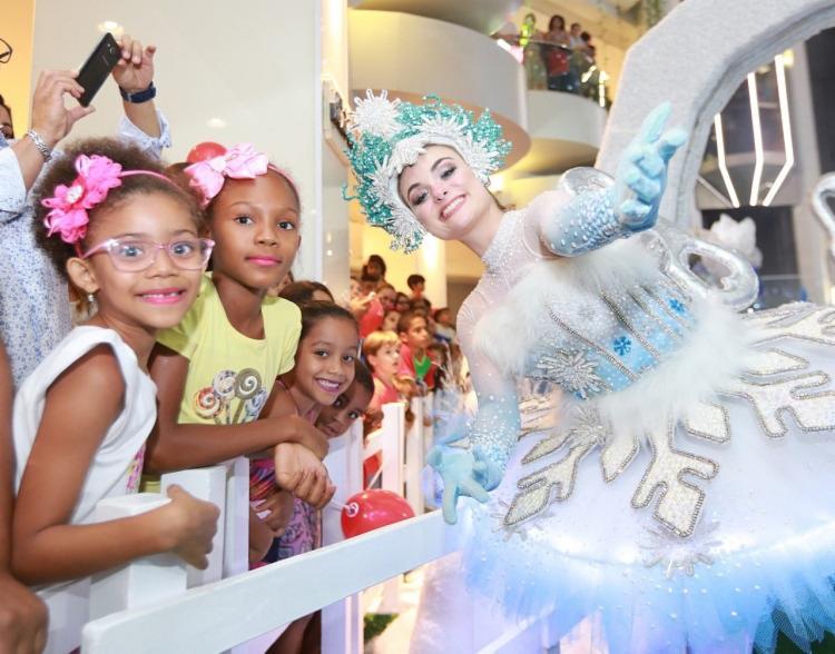 Os shows acontecem às 19h30 durante a semana e às 20h30 aos sábados e domingos - Foto: Divulgação