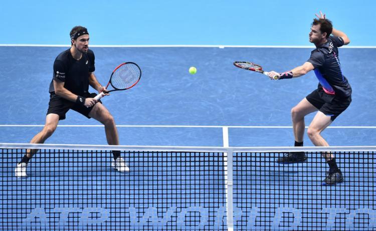 Os adversários de Soares e Murray nas semifinais serão conhecidos somente nesta sexta, 16 - Foto: Glyn Kirk l AFP