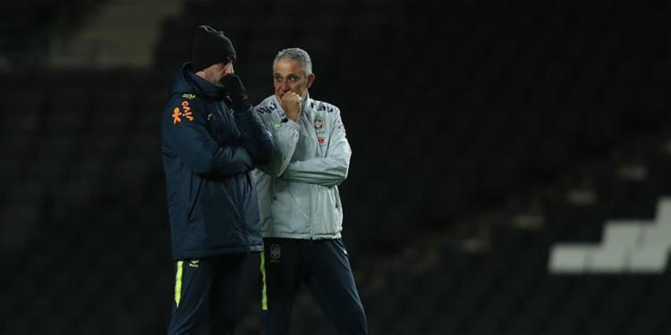 O treinador fez mistério e não revelou os titulares para o amistoso desta terça-feira, 20 - Foto: Lucas Figueiredo l CBF