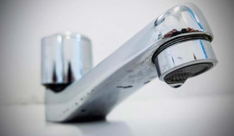 Fornecimento de água foi suspenso desde as 5h desta terça-feira - Foto: Rafael Neddermeyer   Fotos Públicas