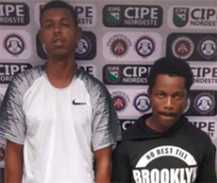 Ismael Silva de Almeida, 23 anos e Bruno Gonzaga da Silva, 29 foram encaminhados a Central de Flagrantes de Feira de Santana - Foto: Divulgação | SSP-BA