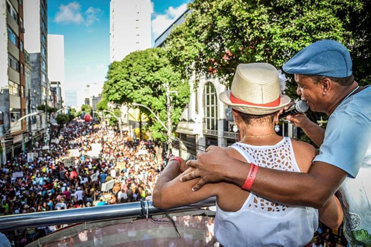 A Caminhada do Samba, que ocorre no domingo, 2, vai alterar o tráfego no centro - Foto: Divulgação