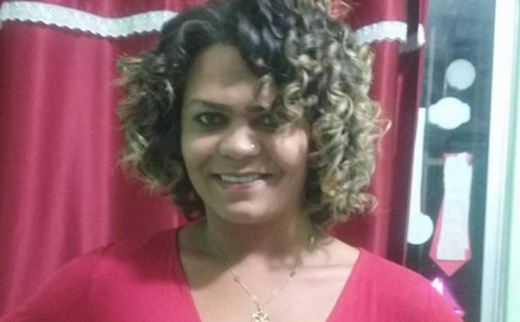 Raphaela foi a segunda transexual assassinada nos últimos 30 dias na cidade - Foto: Reprodução   Blog do Rodrigo Ferraz