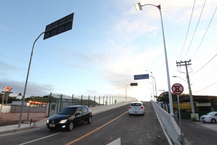 O viaduto possui uma extensão de 140 metros e 10 metros de largura, contando também com calçada para pedestre e guarda-corpo em gradil - Foto: Fernando Vivas | GOVBA