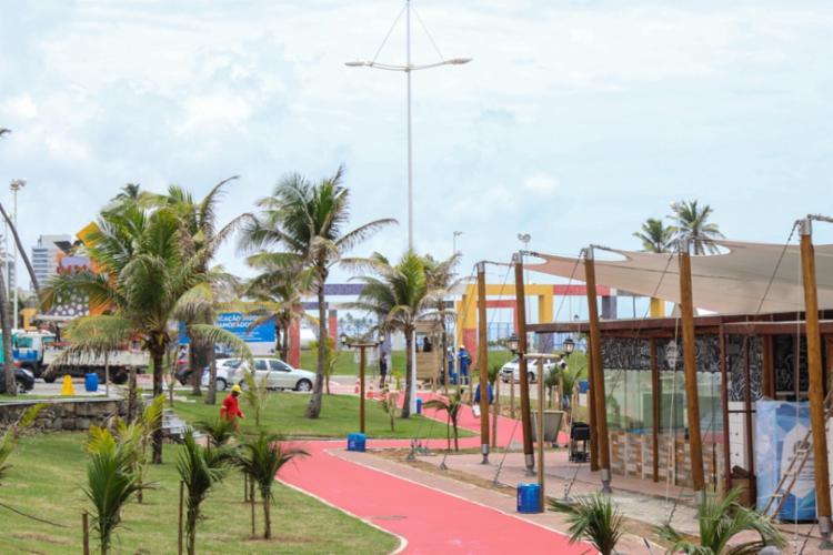 Instalação foi inspirada na Vila Caramuru, localizada na orla do Rio Vermelho