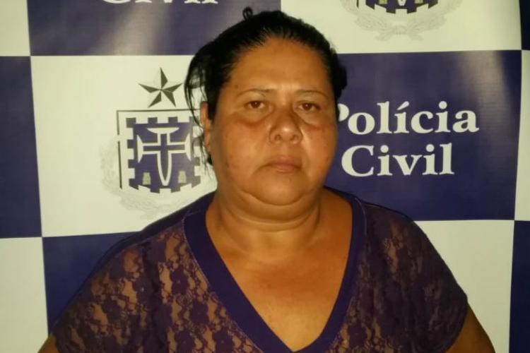 Mulher é suspeita de ser mentora do crime que envolve a morte da própria mãe - Foto: Divulgação   Polícia Civil da Bahia