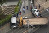 Caminhão e caminhonete colidem na avenida Cardeal da Silva | Foto: Cidadão Repórter | Via WhatsApp