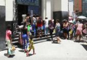 Beneficiários do Bolsa Família enfrentam fila para recadastramento | Foto: Luciano da Matta | Ag. A TARDE