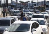 Motoristas esperam mais de 3 horas para embarcar no ferryboat | Foto: Raul Spinassé | Ag. A TARDE