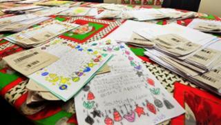 Em todo o período da Campanha Papai Noel dos Correios, 106 escolas e creches municipais foram cadastradas para receber os presentes. A expectativa é que, até o dia 24 de dezembro, todas as crianças recebam os presentes - Divulgação