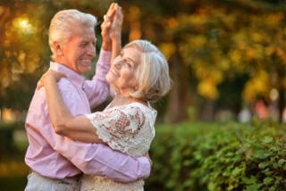 A dança é importante para os idosos em relação à saúde e ao convívio social - Divulgação