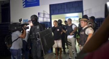 Funcionários e pacientes de unidade localizada no bairro de Santa Cruz, em Salvador, ficaram em poder dos suspeitos na tarde de ontem - Shirley Stolze | AG. A TARDE