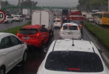 Acidente envolvendo quatro veículos deixa trânsito lento na BR-324 | Divulgação | Acorda Cidade