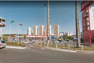 Homem é preso após tentativa de assalto em ponto de ônibus da Paralela | Reprodução | Google Maps