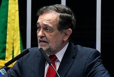 Walter Pinheiro critica ofício na política na despedida do Senado | Marcos Oliveira | Agência Senado