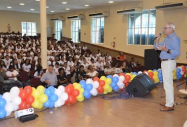 Programa Educacional de Resistência às Drogas certifica quase 300 estudantes em Mata de São João