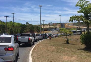 Longo congestionamento atrapalha trânsito na Dorival Caymmi | Hilcelia Falção | Ag A TARDE