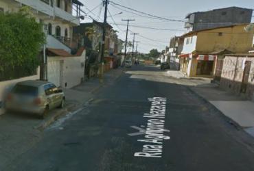 Mulher é morta na frente do filho após ter casa invadida em Plataforma | Google Street View