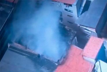 Incêndio atinge residência no bairro do Uruguai | Reprodução | Tv Itapuã