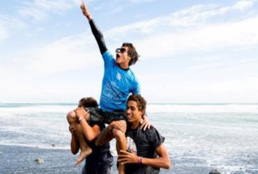 Catarinense fatura título mundial de surfe júnior | @WSL / Jack Barripp