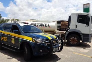 Caminhão roubado em São Paulo em 2014 é localizado na Bahia   Divulgação   PRF-BA