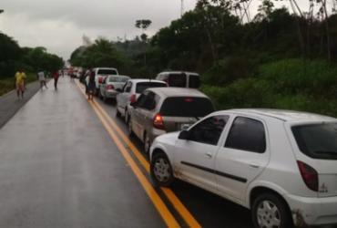 Moradores de Matarandiba protestam por melhorias na região   Divulgação   Polícia Militar