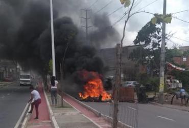 Moradores do Lobato bloqueiam av. Suburbana em protesto | Cidadão Repórter | Via WhatsApp