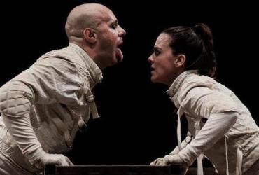 Espetáculo 'Que os outros sejam o Normal' estreia no Teatro Sesi | Heder Novaes | Divulgação