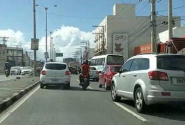 Acidente entre carro e caçamba deixa trânsito lento em São Cristóvão | Reprodução