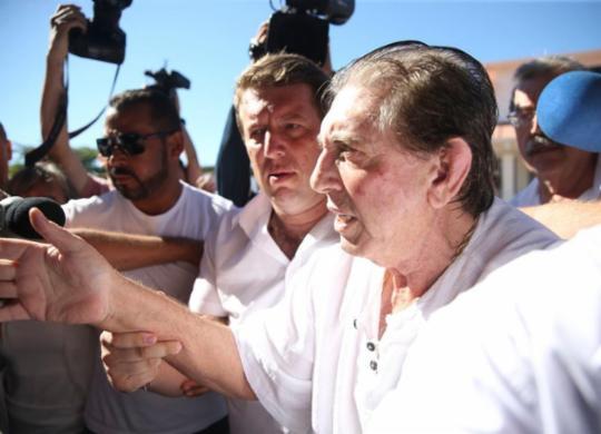 João de Deus diz estar à disposição da Justiça em 1ª aparição após denúncias   Marcelo Camargo   Agência Brasil