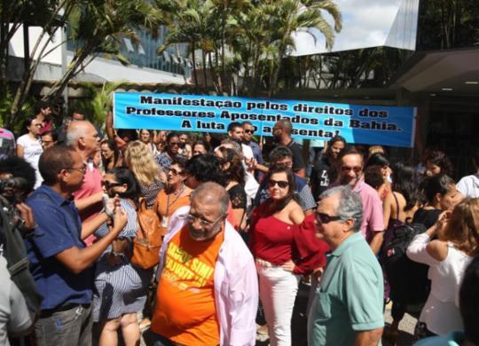 Em meio a protestos, deputados aprovam pacotes de medidas de Rui Costa   Luciano da Matta   Ag. A TARDE