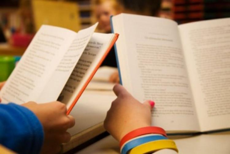 o local, também acontacerá o lançamento de um livro de histórias escritas pelas crianças com dificuldades no processo de alfabetização - Foto: Reprodução
