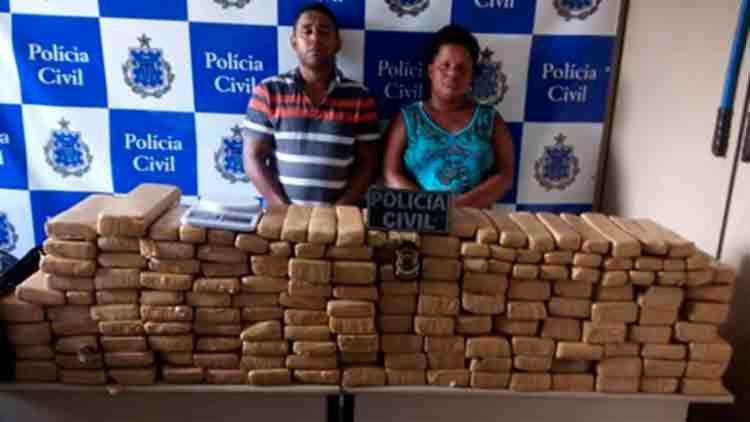 Wagner da Silva Alves e Silvana Santos de Lima foram detidos em flagrante - Foto: Reprodução | Blog do Fábio Roberto Notícias