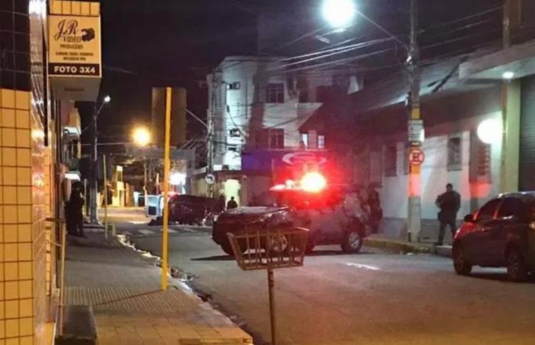 Suspeitos tentaram roubar agência bancária na madrugada desta sexta - Foto: Reprodução | TV Cariri