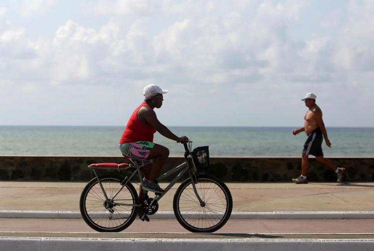 Caminhada é o exercício físico mais comum, praticado por 33,6% da população - Foto: Raul Spinassé | Ag. A TARDE